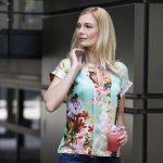 Péterfi Judit fotózása Kóbor Zsóka ruháiban divat fotózás budapest